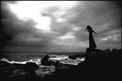 Femme noir et blanc page 2 - Image triste noir et blanc ...